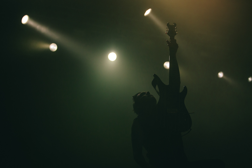 minimal concert photography