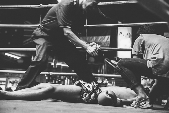 muay thai fighter knocked out