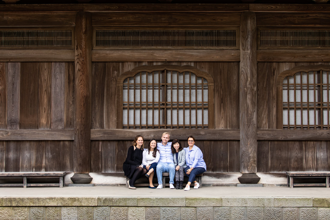 casual group photo at Kamakura temple